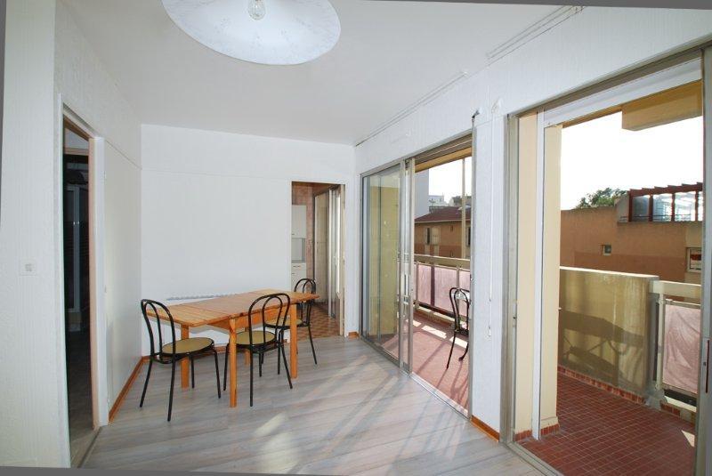 Grand t1 meubl avec terrasse a louer marseille - Appartement a louer meuble marseille ...